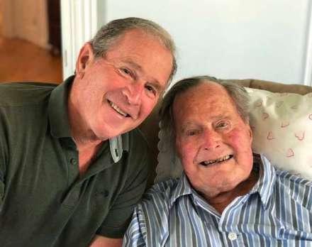"""美国前总统老布什离世 临终前对小布什说""""我也爱你"""""""