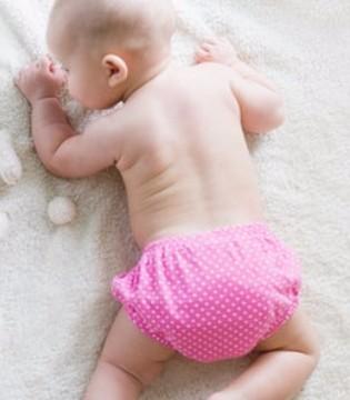 那么宝宝发烧时要如何护理呢? 宝宝退烧并不难