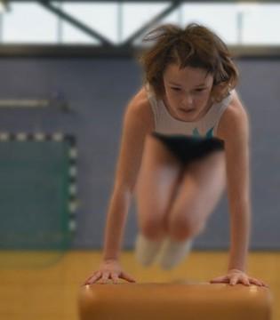 运动对孩子有好处 但这些问题需要注意!