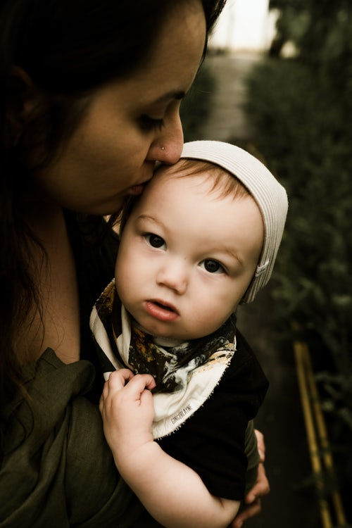 母乳喂养对宝宝很有利 信心是追奶是否成功的关键