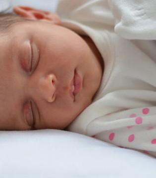宝宝睡眠过程中会遇到什么危险?家长们注意了!