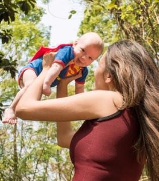 孩子喂奶的频率? 坚持哺乳 如何应对他人疑问?