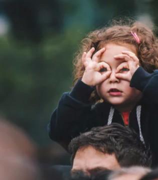 孩子缺乏安全感的表现 长大后是什么样子?