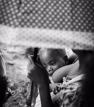 初为人母的妈妈们学习 母乳喂养的小窍门