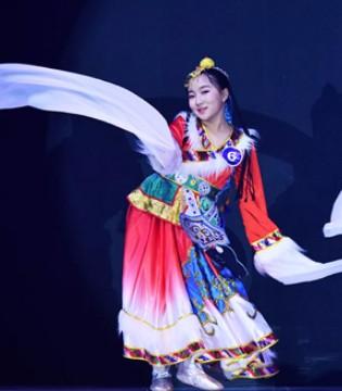 好宝贝12强与《中国新声代》唱将汤晶锦同台出演!