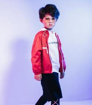 图零钱童装:轻松展现孩子不一般的帅气