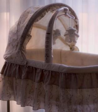 家长如何挑选婴儿摇篮床 如何正确使用婴儿摇篮