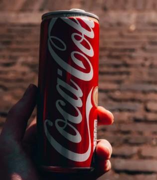 喝可乐会影响孩子发育吗? 儿童喝可乐的坏处