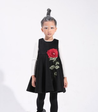 选择小猪芭那 让你家的小公主变身时尚小潮童