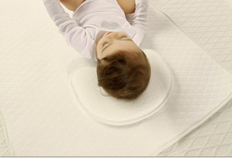 新生儿妈妈们选择德国3D材料做为婴儿枕芯
