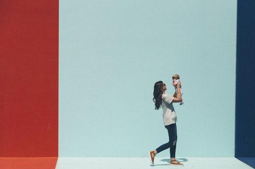 宝妈们如何应对母乳喂养引起的身体不适