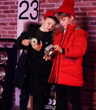 新年就要穿大红色衣服 小神童教你如何红色穿搭