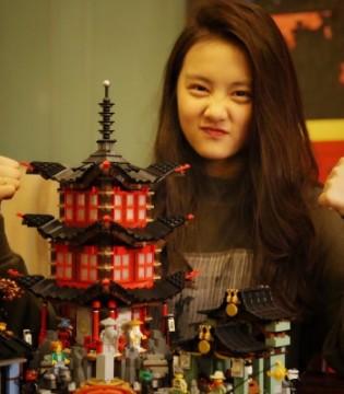 黄磊晒出女儿完成的古代建筑模型  多多气质真好