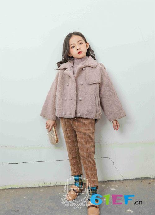 穿上维尼叮当童装 让你成为冬日里的一抹骄阳