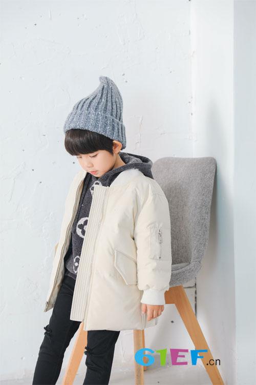 安米莉童装:秋冬季节 给你想要的保暖单品