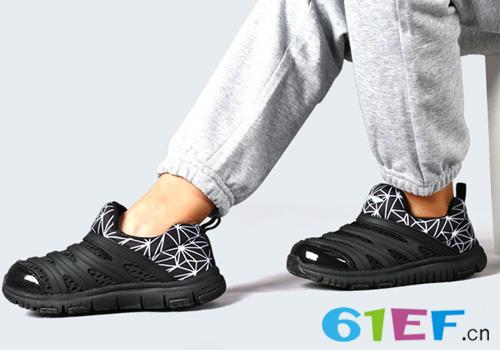 个性鲜明毛毛虫童鞋 让宝贝更有范