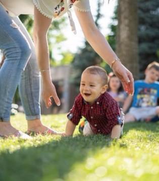 想要小儿安 三分饥与寒  春季宝宝穿衣误区