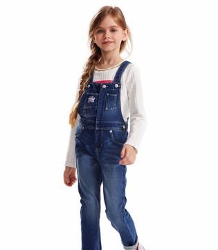 孩子穿背带裤的好处  让宝贝看起来可爱十足