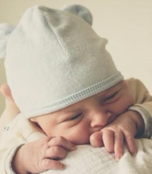 宝宝不愿吃奶 真的是所谓厌奶期吗?