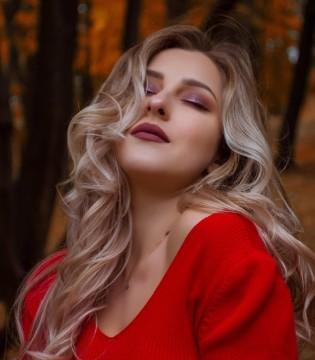 女人晚上怎样保养皮肤? 女性的夜间护肤方法