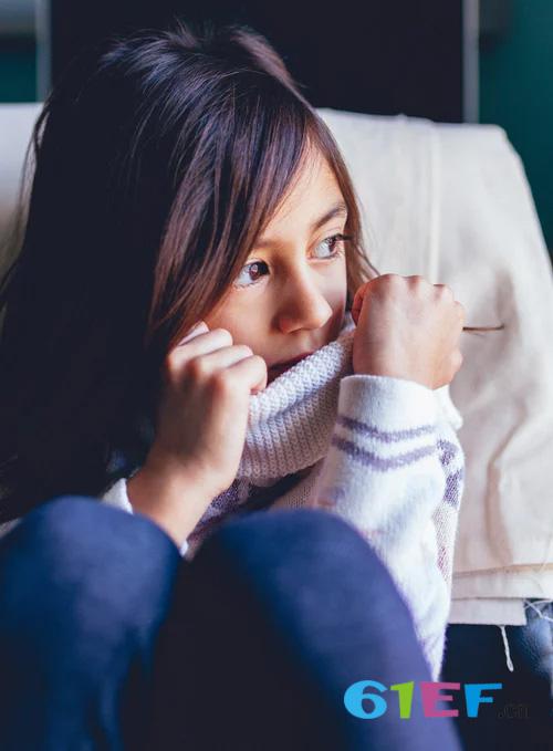 女孩性早熟有哪些症状 为何女孩更容易性早熟?