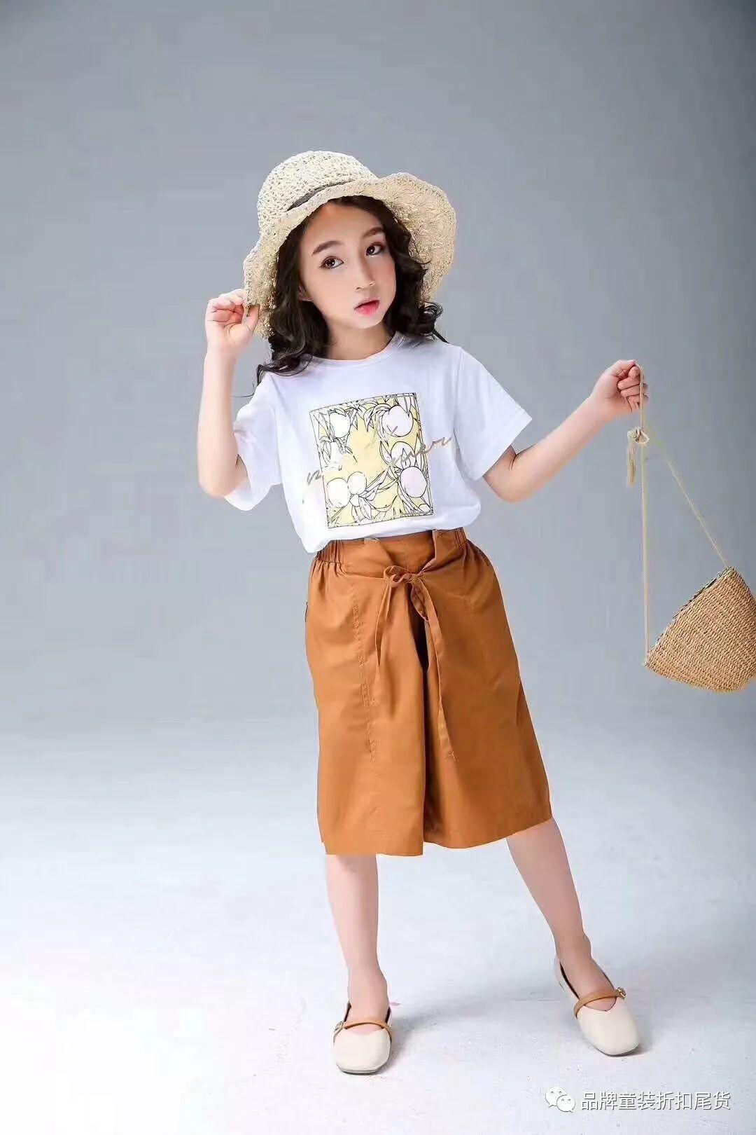 小神童服饰突显时尚个性、健康向上的特点