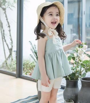 小神童服饰突显宝贝时尚个性 带来清新的气息