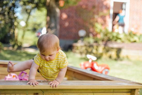 十个月大的宝宝如何吃奶和喂饭 这些小细节要注意