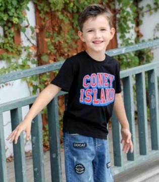 小神童服饰品牌童装 是孩子们的快乐童年