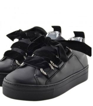 如果您的孩子要运动 不妨穿上Napapijri运动鞋