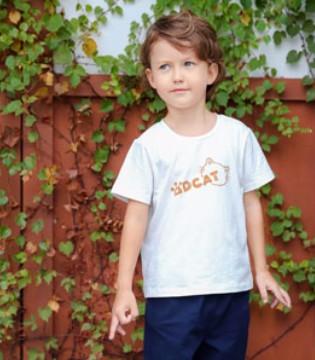 小神童品牌童装给孩子一个美好的童年