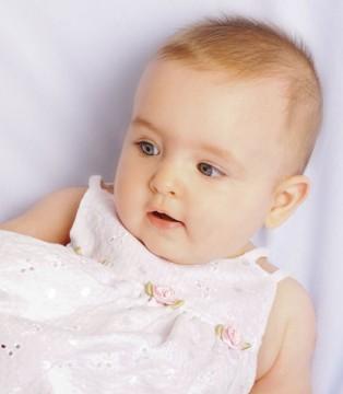 九个月的宝宝好动正常吗 宝宝为什么好动