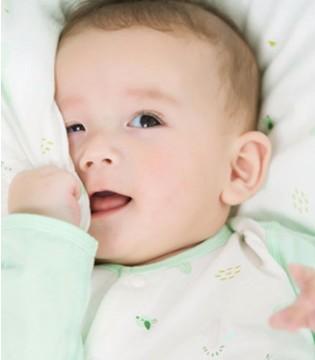教你挑选婴幼儿哈衣 给宝宝更贴心的呵护