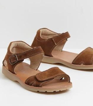 具有欧洲独特风格的童鞋品牌 Cyrillus