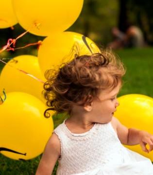 """提倡婴幼儿""""游泳"""" 有助于宝宝食欲增加 哭闹减少"""