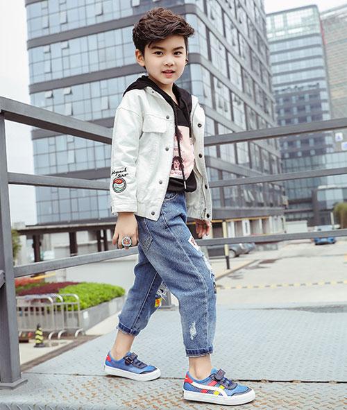 萌宝美腻运动鞋  带着宝贝舒适安全游玩