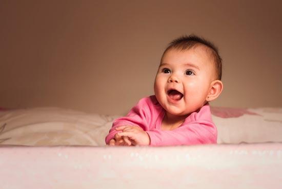 婴儿拇指虎口拉不开怎么回事 有什么办法纠正吗