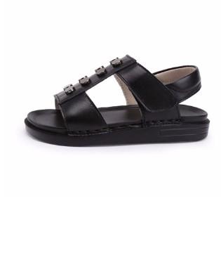 美美的小凉鞋  让宝贝清凉过整个夏天