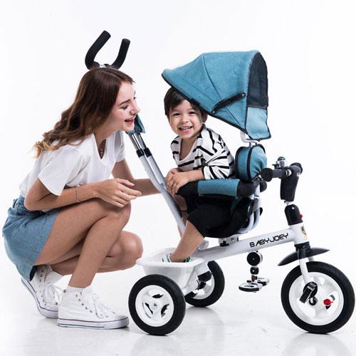 快乐童年 从宝贝拥有自己的座驾开始
