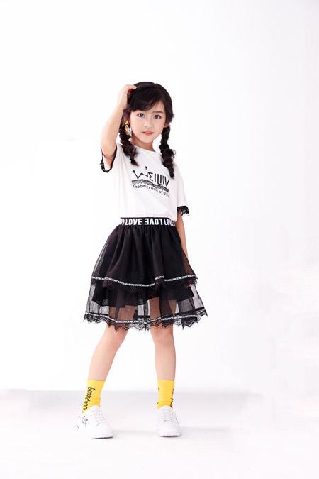 祝贺欧米源品牌童装签约东莞市世博广场店