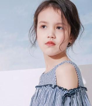 拉夏贝尔童装集合品牌 这是一份来自8em的初夏超值礼