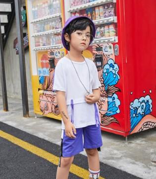如何选择一个正确的品牌  当然是叽叽哇哇童装品牌