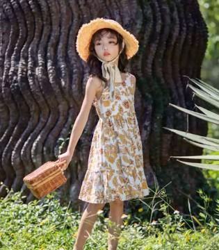 宝贝五月出游丨我猜你还少一条连衣裙