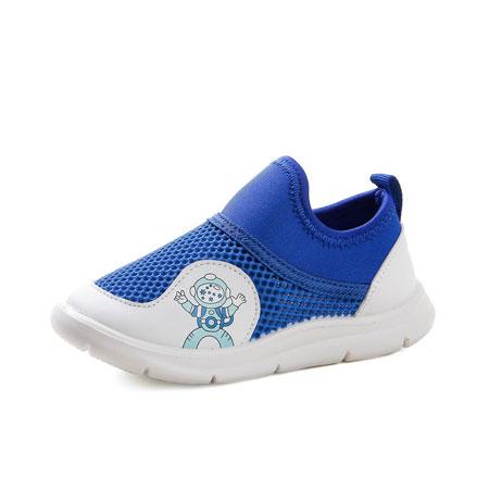 爱动的童年 怎能少得了舒适的运鞋鞋