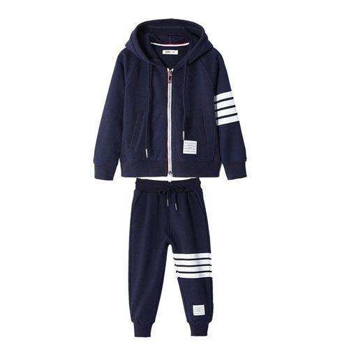 休闲舒适的时尚运动套装 给宝贝无限活力!