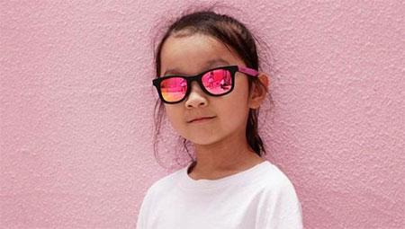 脸大再也不用怕!选对太阳眼镜让宝贝变小脸