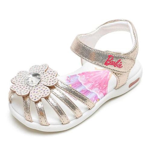 夏日高颜值凉鞋 让小公主轻盈跑跳毫无压力