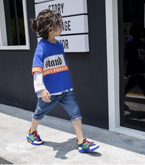 想让孩子时尚不缺风度 那就购选韩米娜童装
