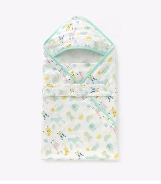 舒适的婴儿抱被 让宝宝清爽过夏季