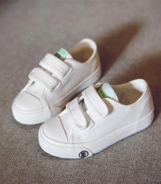 经典百搭萌娃小白鞋 席卷儿童界潮流
